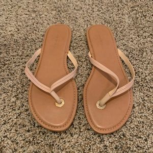 Banana Republic Mazzy Leather Flip Flop In Nude